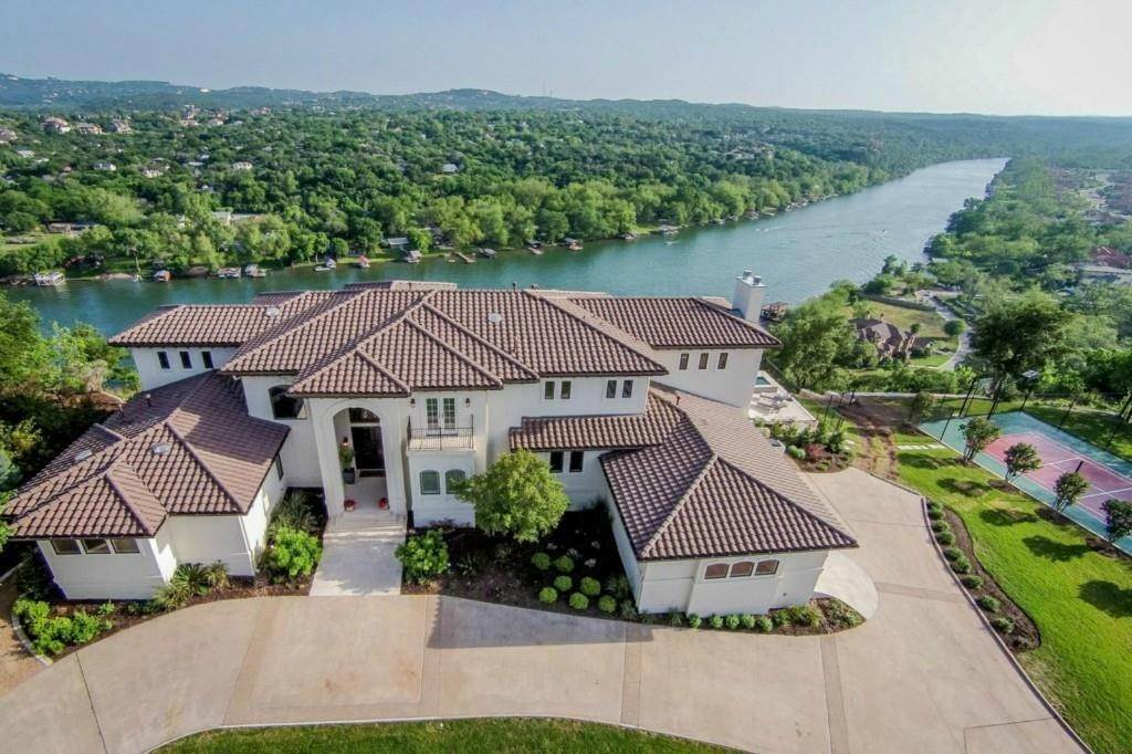 Residential at 3303 Far View Drive Austin, Texas 78730 United States