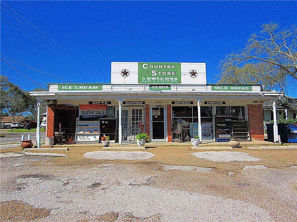 Retail for Sale at 1005 Hwy 105 Brenham, Texas 77833 United States
