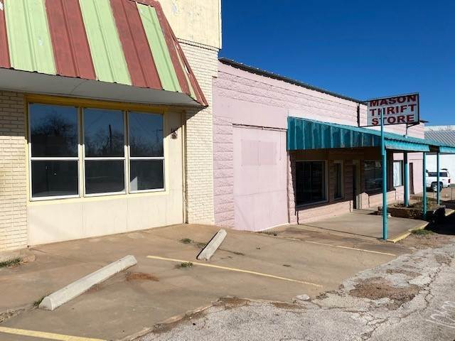 Retail for Sale at 330 Ft. Mckavitt Mason, Texas 76856 United States