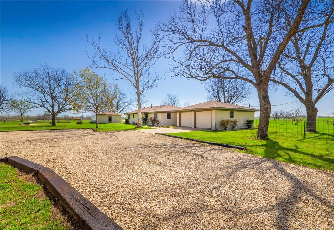 Single Family Homes por un Venta en 420 E Clement Street Thorndale, Texas 76577 Estados Unidos