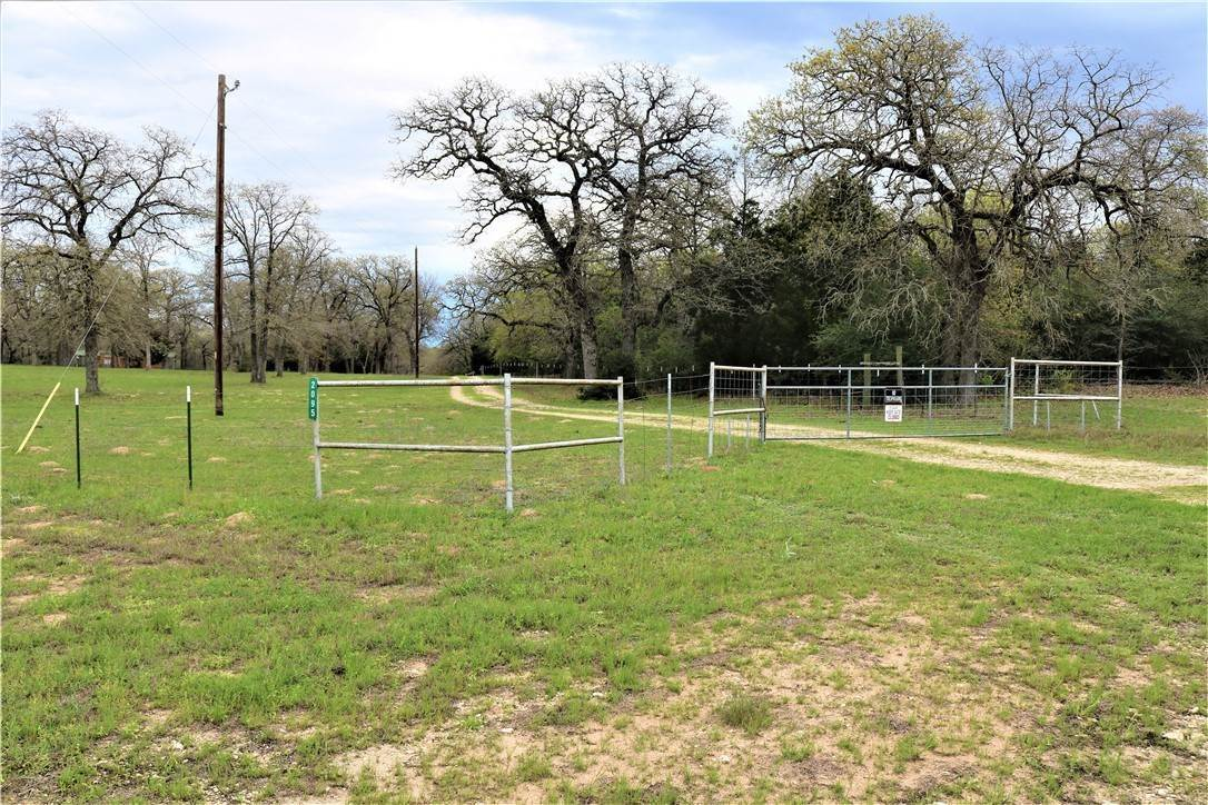 Single Family Homes for Sale at 2095 County Road 442 Thrall, Texas 76578 United States