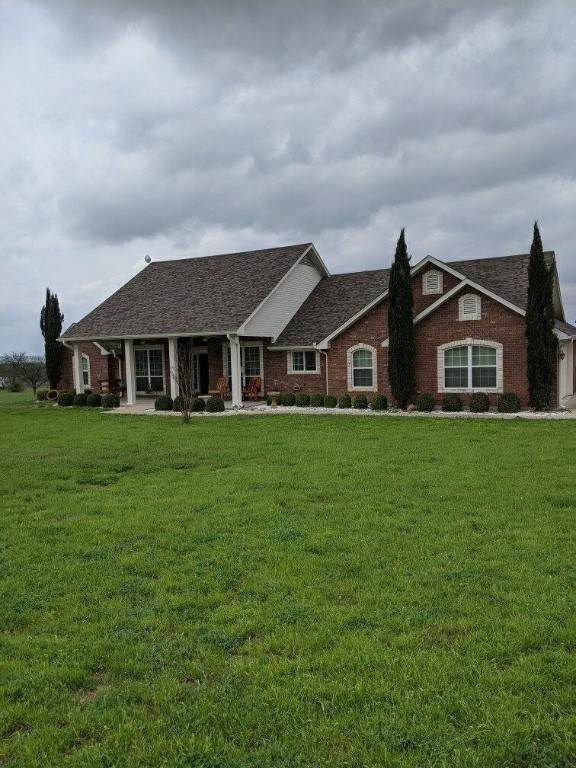 Single Family Homes por un Venta en 258 County Road 3150 Kempner, Texas 76539 Estados Unidos
