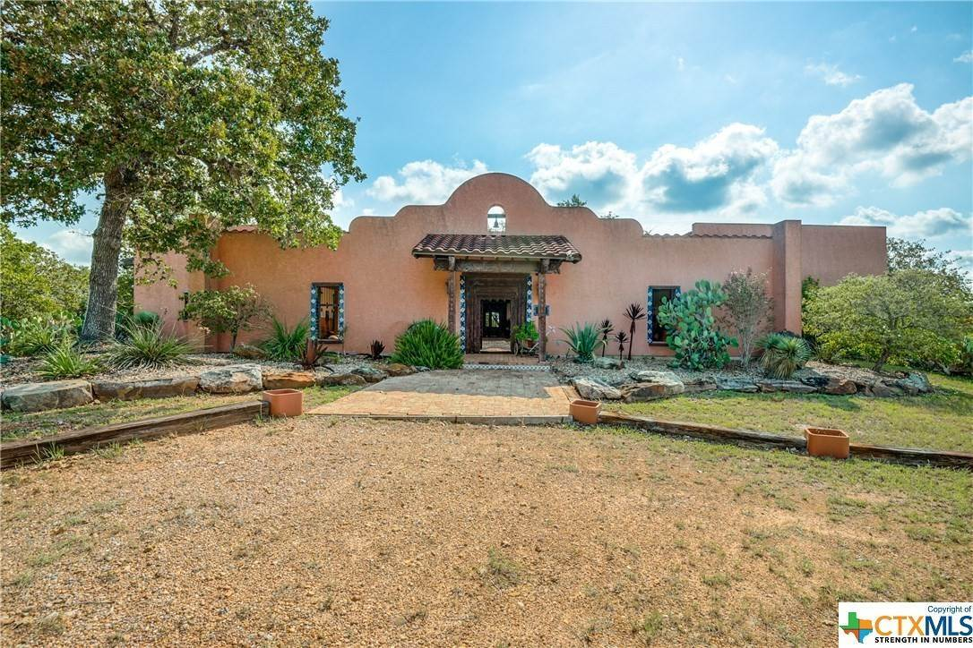 Residential for Sale at 1380 Lakeside Drive Cuero, Texas 77954 United States