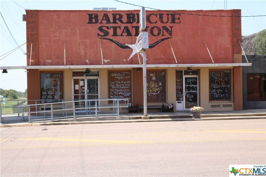 Commercial for Sale at 114 Esplanade Street Cuero, Texas 77954 United States