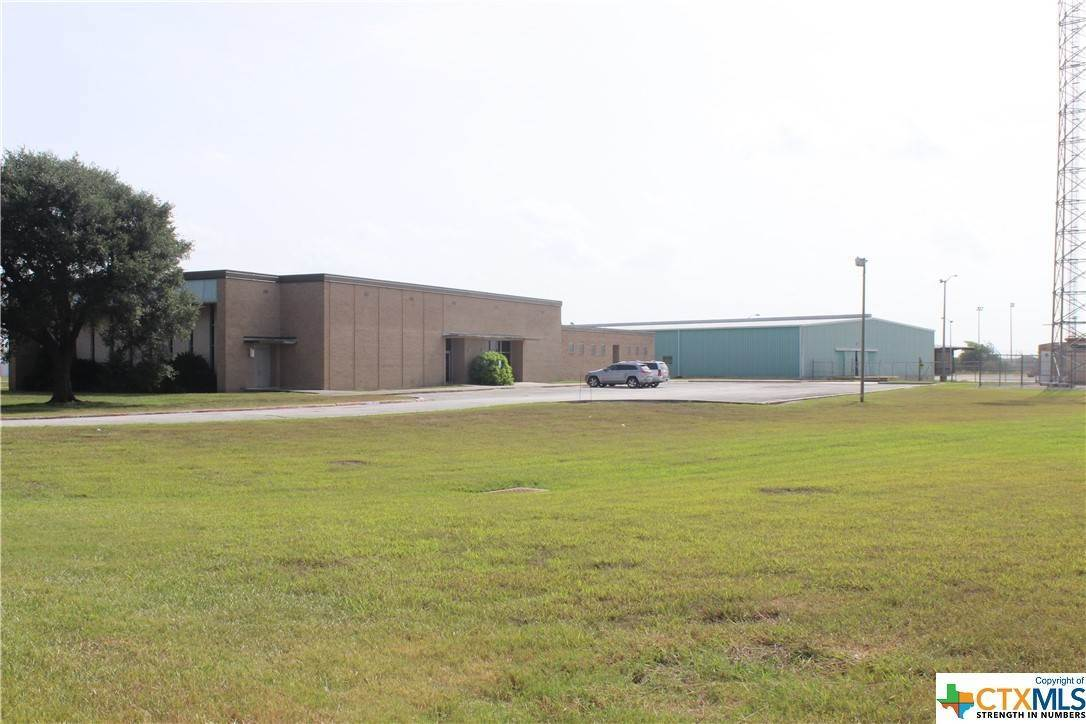 Commercial for Sale at 102 Ben Jordan Victoria, Texas 77901 United States