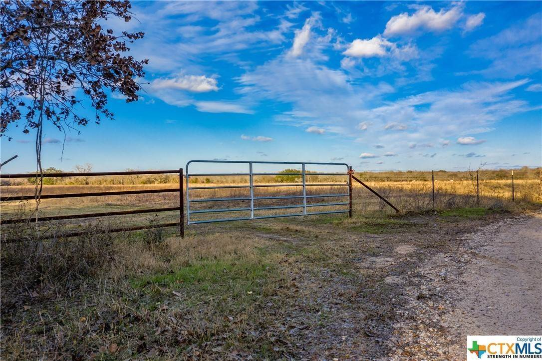 Single Family Homes por un Venta en TBD County Rd 424 Waelder, Texas 78959 Estados Unidos