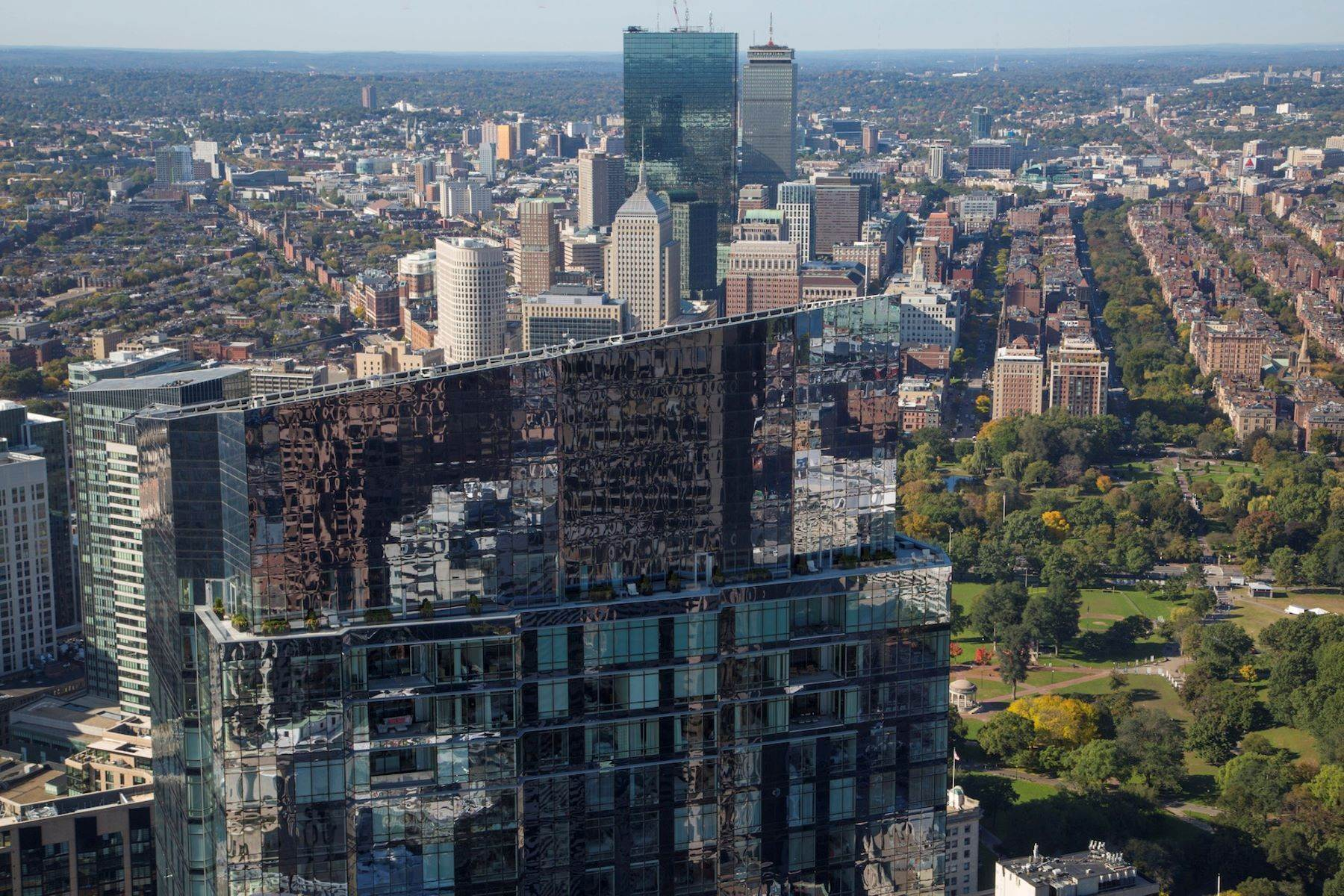 Condominiums for Sale at Millennium Tower 'The Grand Penthouse' Single Floor Residence 1 Franklin Street, Unit GPH Boston, Massachusetts 02110 United States