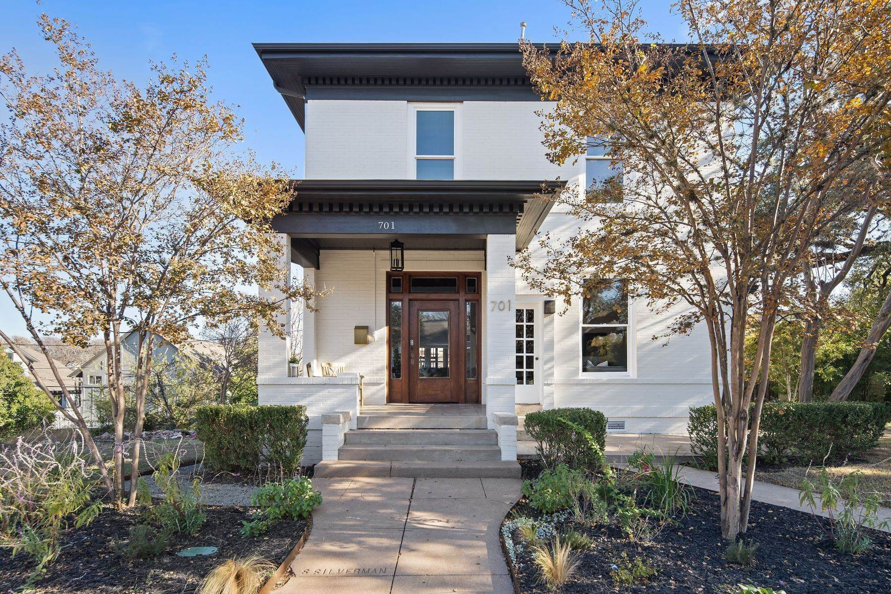 Single Family Homes for Sale at 701 Highland Avenue, Austin, TX 78703 701 Highland Ave., Unit #1 Austin, Texas 78703 United States