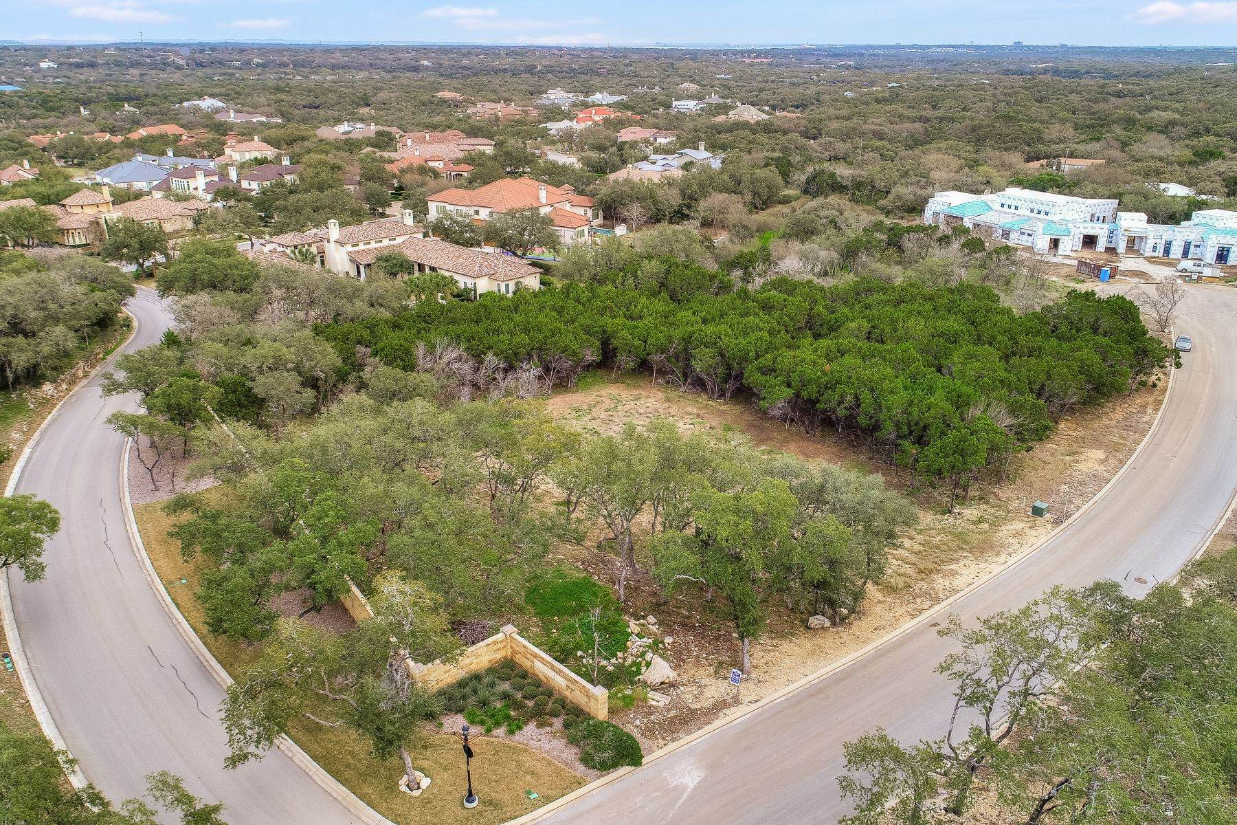 Property for Sale at 218 Wellesley Hill, Shavano Park, TX 78231 218 Wellesley Hill Shavano Park, Texas 78231 United States