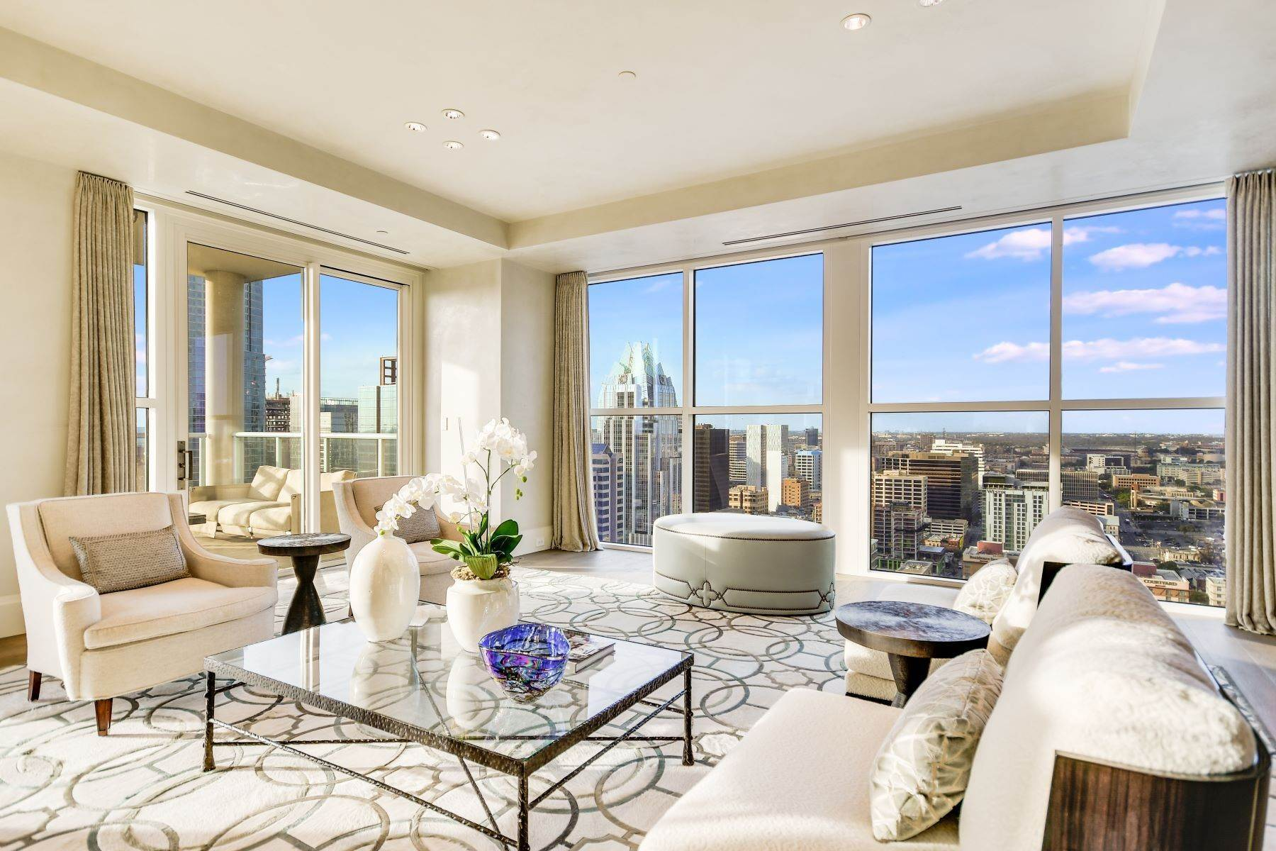 Condominiums for Sale at The Four Seasons, 30th Floor Penthouse 98 San Jacinto Boulevard, 30th Floor Penthouse Austin, Texas 78701 United States