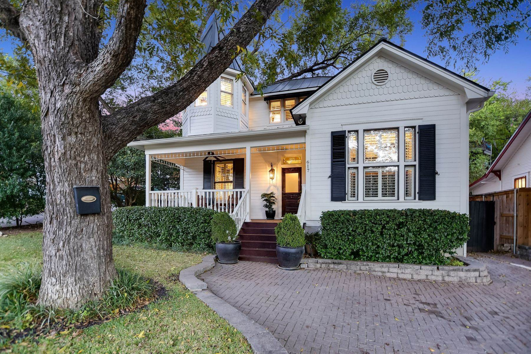 Single Family Homes for Sale at Timeless Old West Austin Classic 617 Blanco Street Austin, Texas 78703 United States