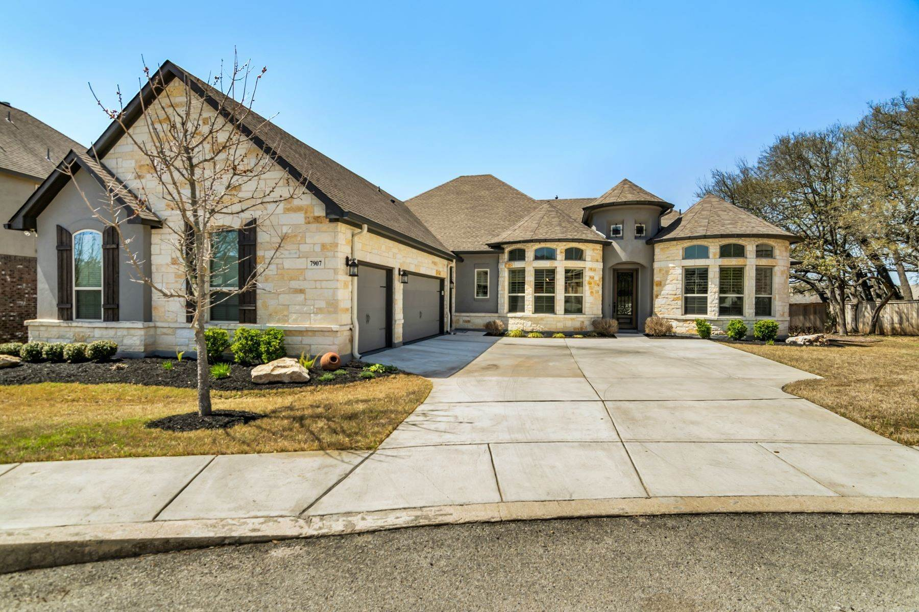 Single Family Homes for Sale at One-Story in Gated Community 7907 Drury Pass Boerne, Texas 78015 United States