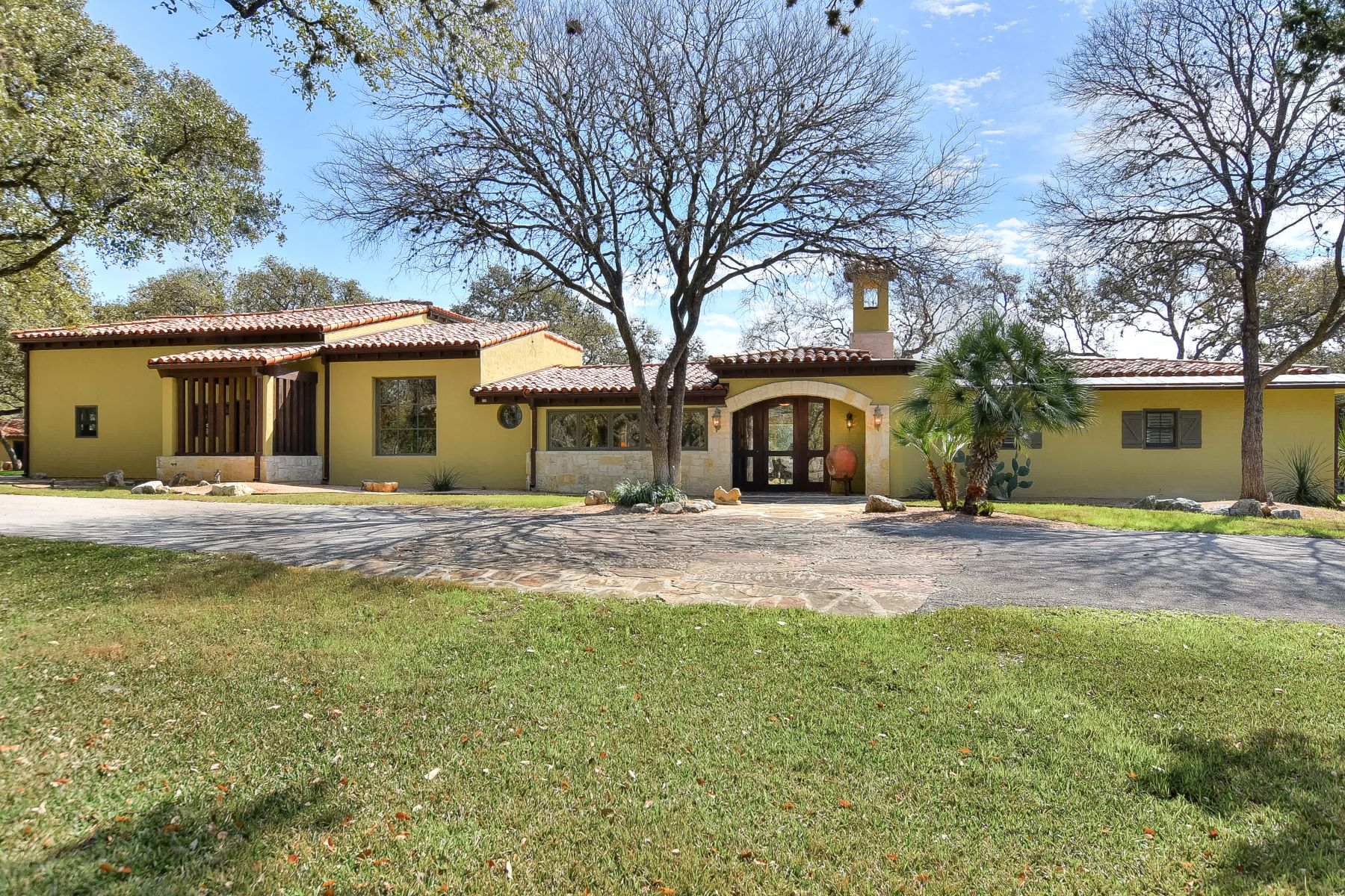 Exquisite Villa Nestled On Over 5 Acres Within Coveted Hill County Village,  Fully Fenced With Gated Entry. Coupling Of Flow And Functionality  Highlighting ...